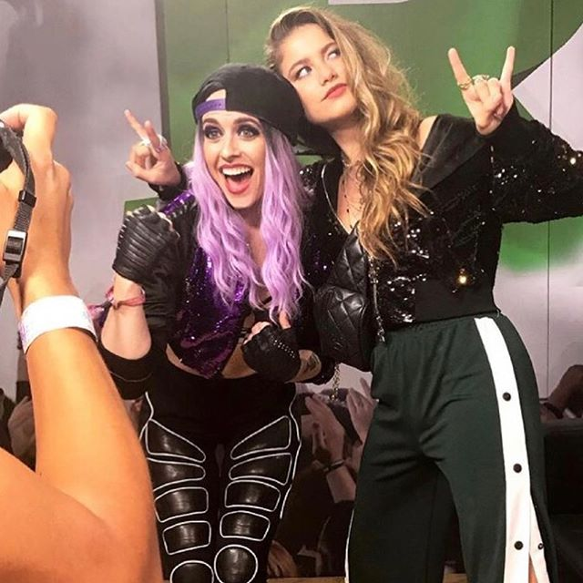 I'm loving seeing all the happy #edc moments.. This was an epic moment for me with MY TWO BEST GIRLS TOGETHER @brightlights333 and @sofiareyesp 👯♀️💜🔥 #proudfriend #heatherbright #brightlights #sofiareyes #undostres #edcmexico