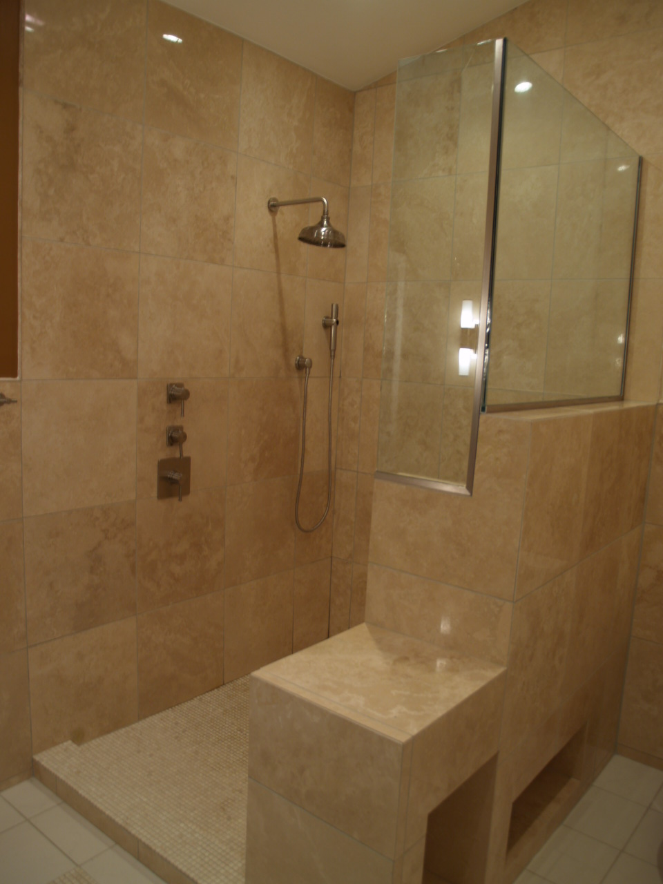C.Kattar. shower, towel nich and toilet niche..JPG