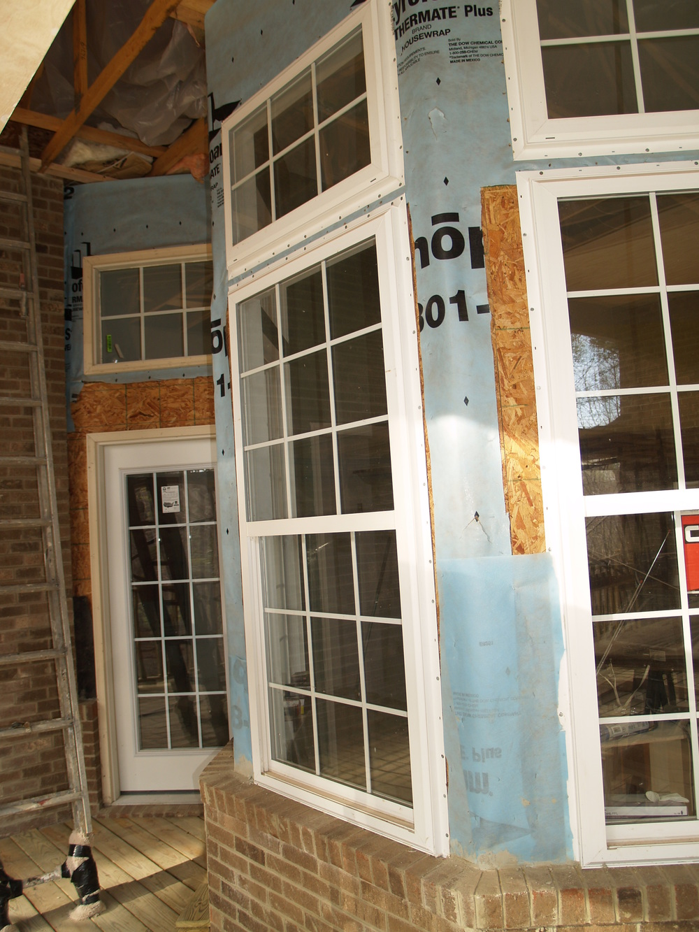 Pond rd. Before. rear bay window.jpg