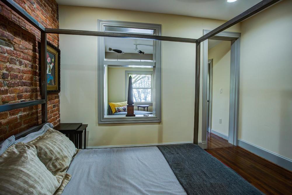 4002 Master bedroom.jpg