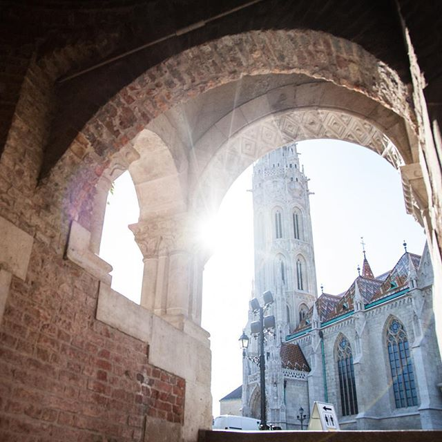 Late afternoon sunbeams #thisisbudapest #FishermansBastion #castlehill #matthiaschurch #travel