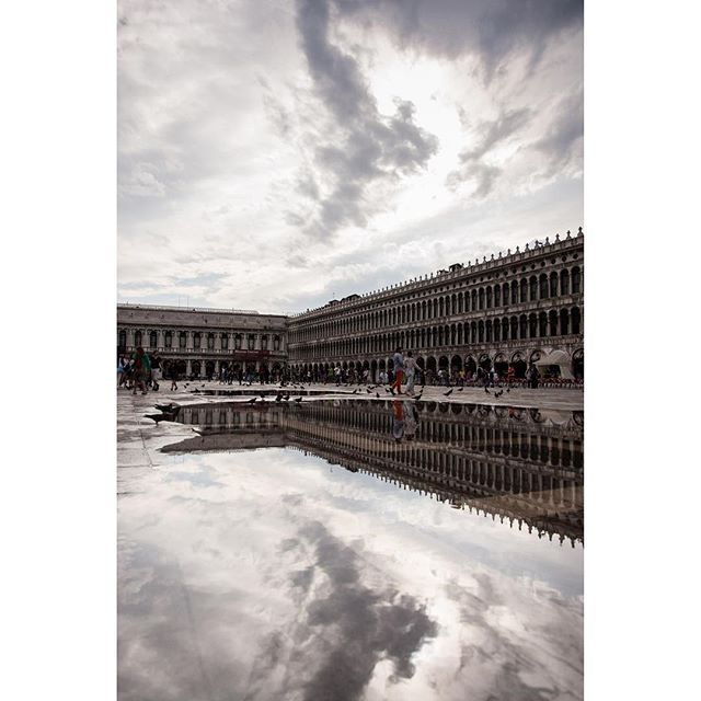 One more from my rainy day at the Piazza San Marco #reflection #italy #procuratievecchie #venezia #travelwell #clouds #travel