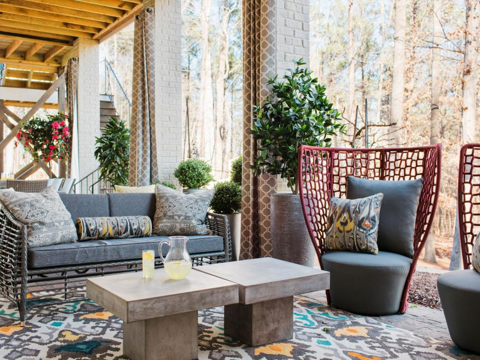 Outdoor living Space HGTV Smart Home 2016