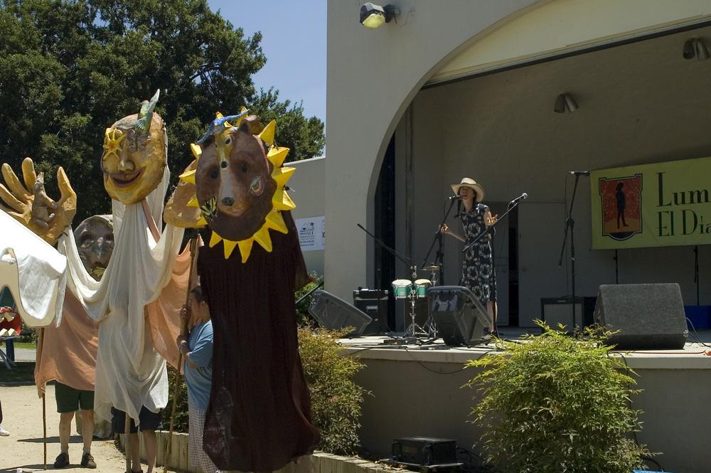 2007.Tongva Puppets.jpg.JPG