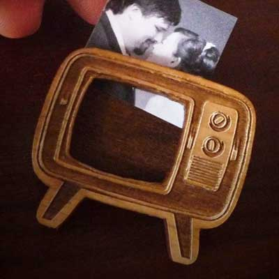 Vectorcloud's Retro TV brooch with photo insert