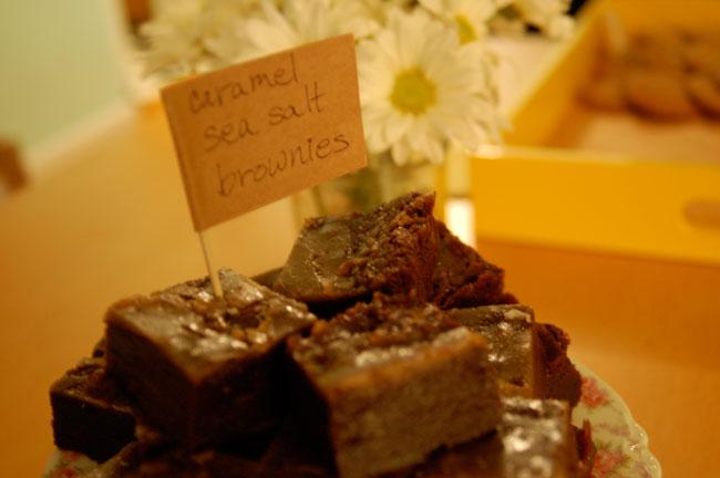 caramel_salt_brownies1.jpg