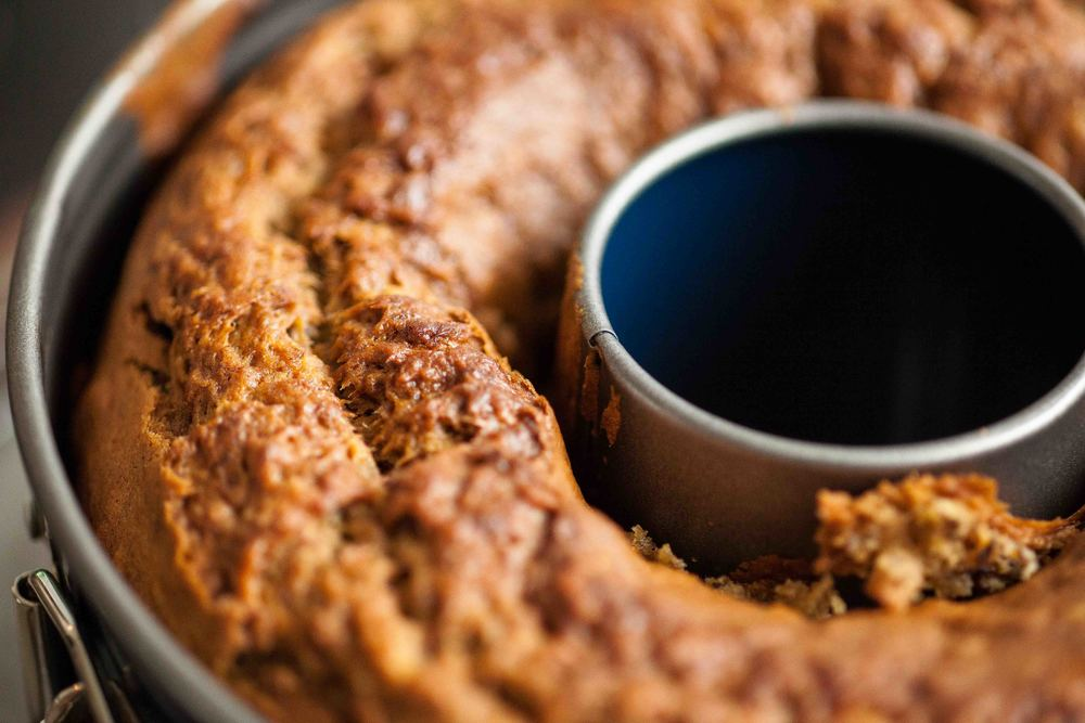 Banana Pecan Bread - freshfromtheoven - www.madelinelu.com