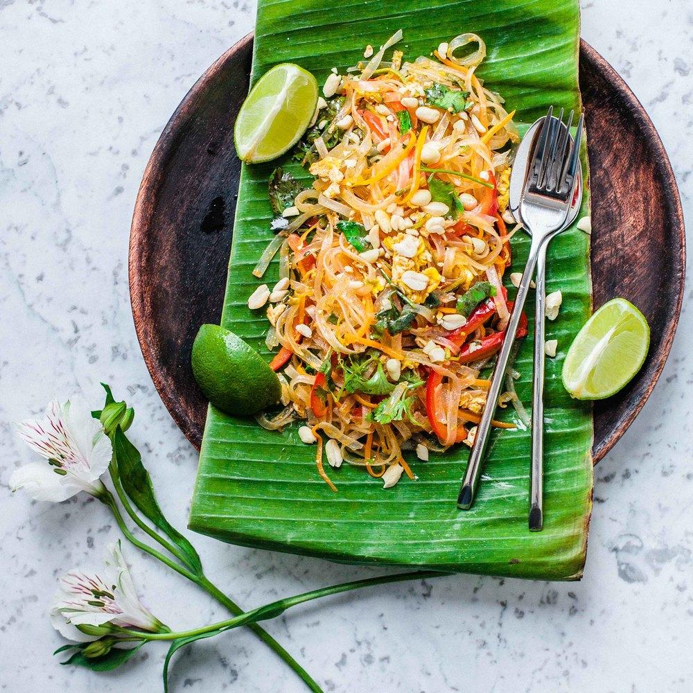Vegetarian Pad Thai - www.madelinelu.com