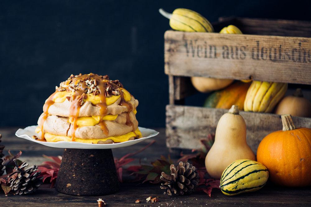 Gingerbread Pavlova with Butternut Squash Curd - www.madelinelu.com