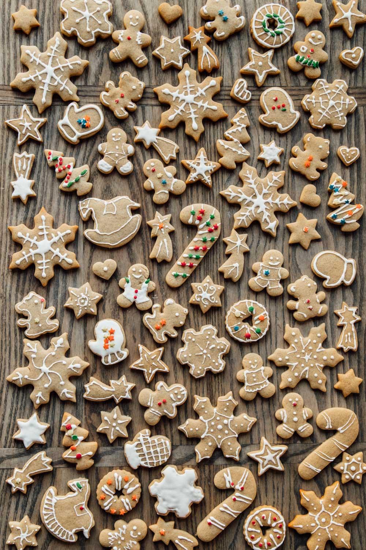 Vegan Gingerbread Cookies - Madeline Lu
