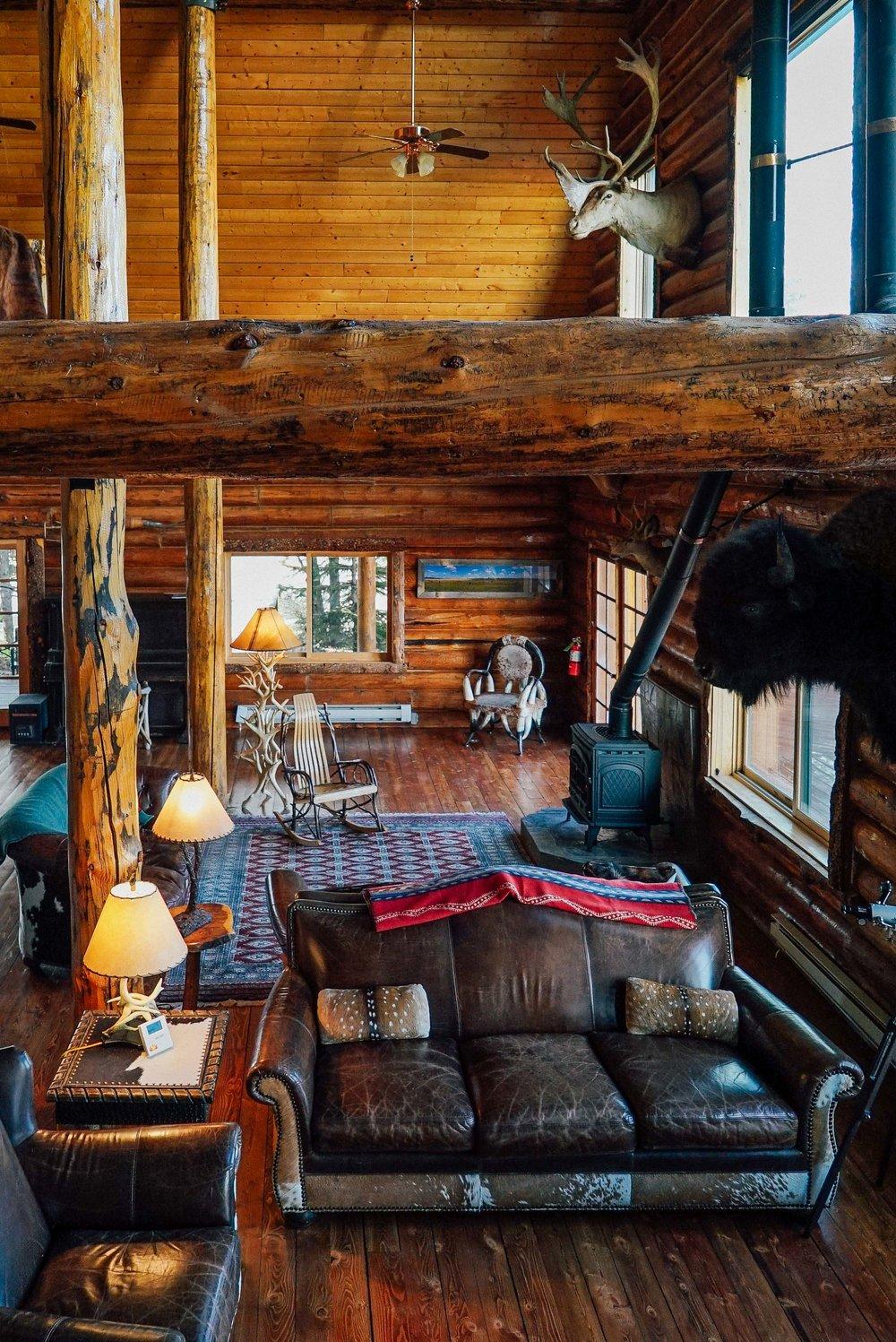 Bar+&+Ranch+Yellowstone-2.jpg