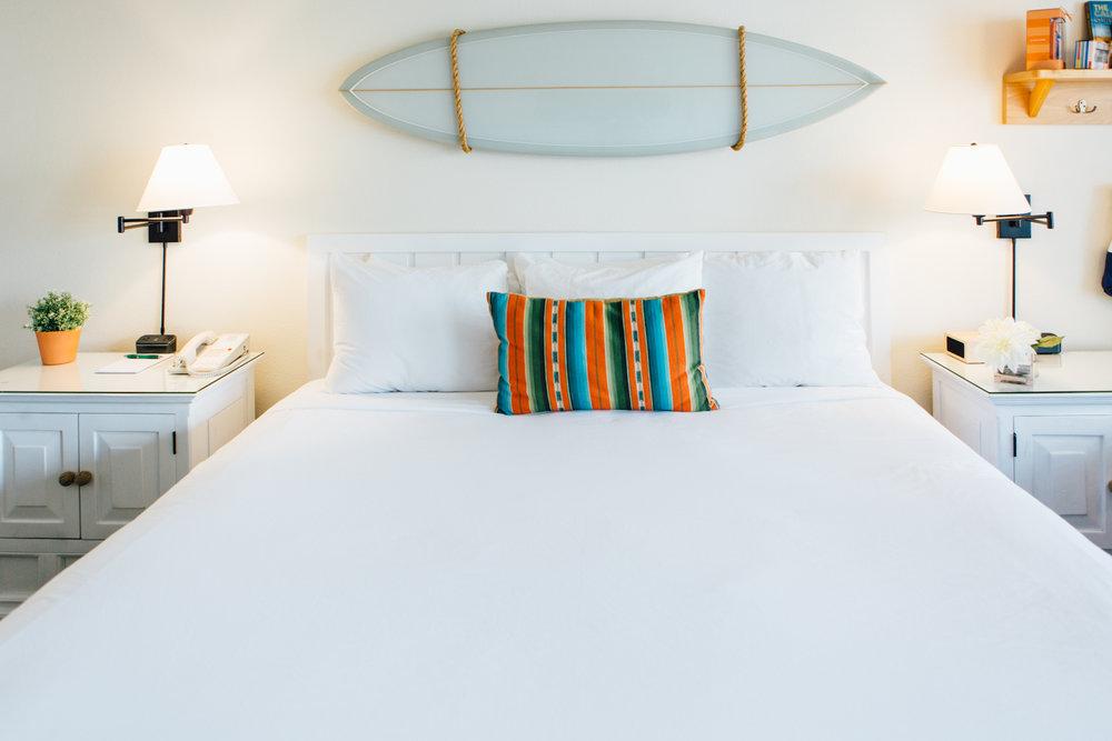 Bed+in+Laguna+Beach+House,+California+-+@lumadeline.jpeg