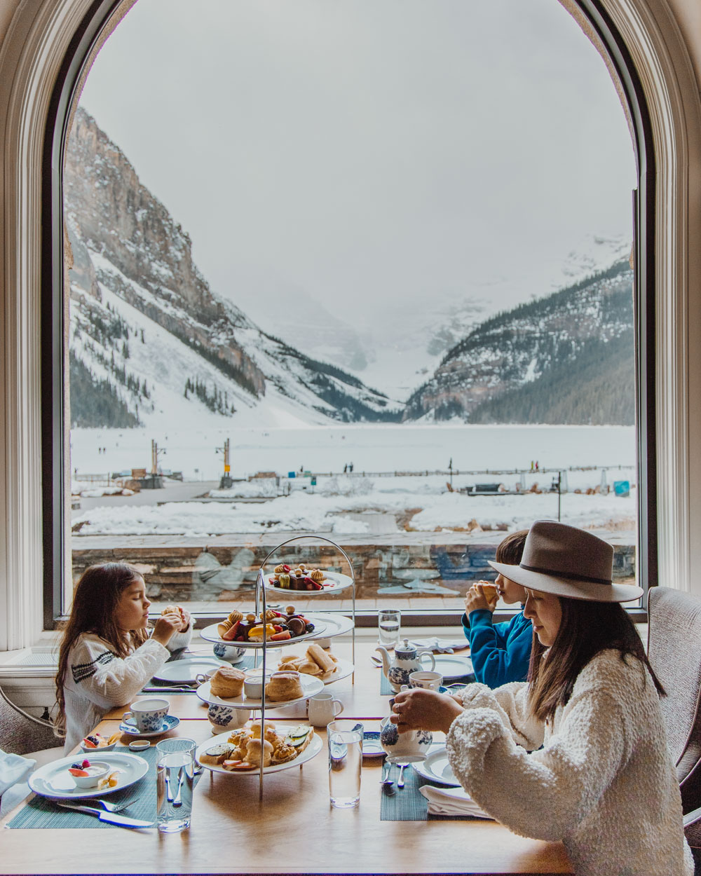Where To Stay In Lake Louise Alberta Canada Fairmont Chateau