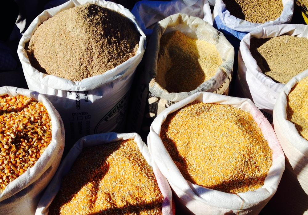 cuzco market grains quinao barley.JPG