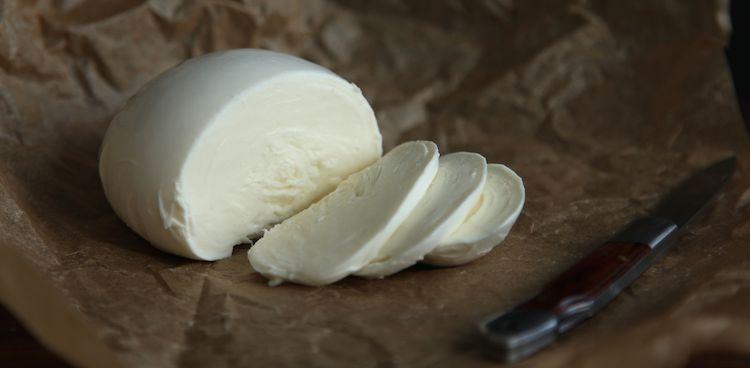 Chapel-Hill-Creamery-Fresh-Mozz-750x368.jpg
