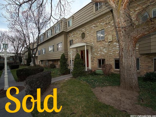 INVESTMENT CONDO IN HOLLADAY   2 Beds 1 Bath 780 square feet   SOLD