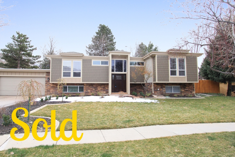 MAGIC VIEW DRIVE   4 Beds 3 Baths 3998 square feet   SOLD