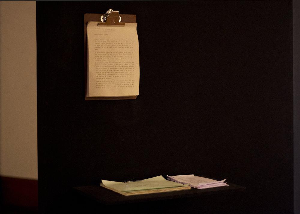 """Texts: """"Dicen que Beto Moreno ha muerto"""", Miguel Regueyra, Sinonimia, Xiomara Zúñiga Salas and File Svetoslav S., Ediciones Trece Noventa, Adrián Flores Sancho. Images by Verónica Alfaro. 2017"""