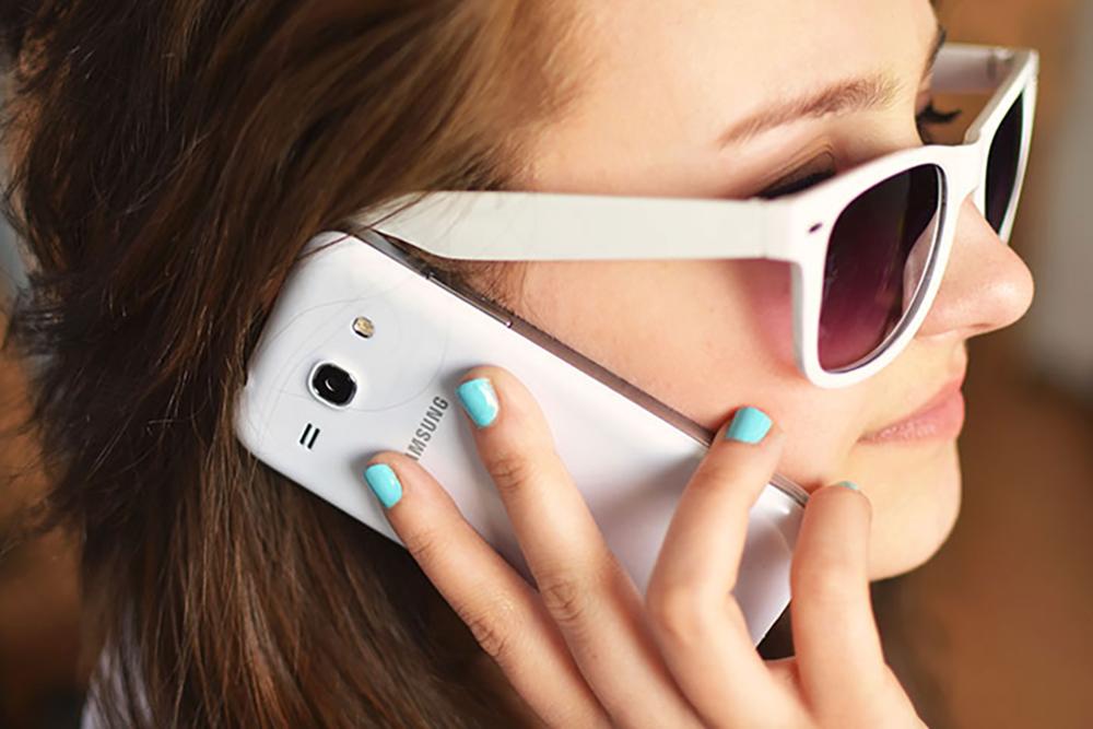 social-media-mobile-phone.jpg.png