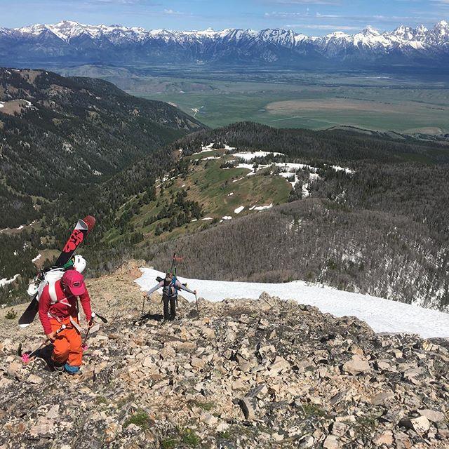 Annual Jackson Peak adventures....always worth it...bushwhacking, views, a fun ski! @writereimers photo: @andrew_jakovac @mammutna @factionwomen @douchebags @sweetprotection