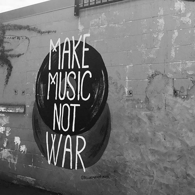 MUSIC CITY #nashville #streetart #livemusic
