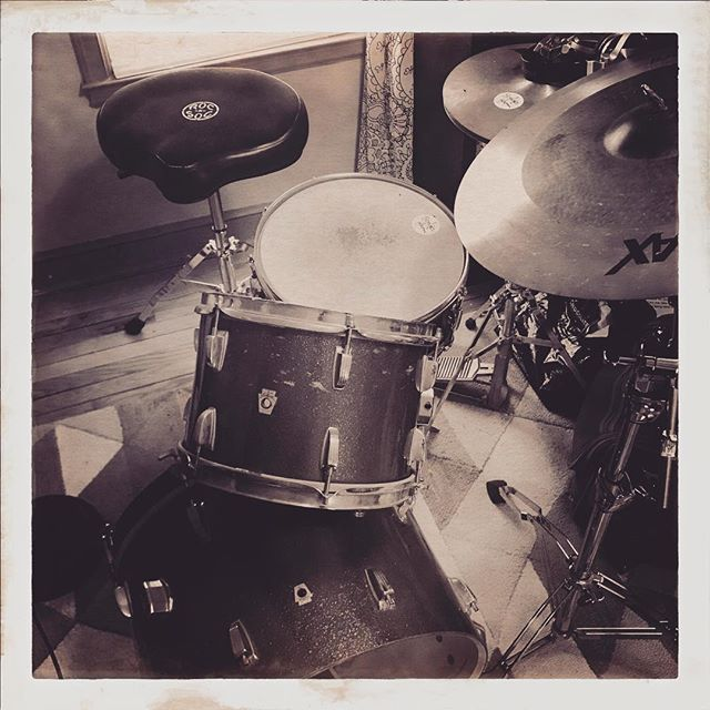 Tracking drums for an epic new organic track.  #newsong #newtrack #studio #ludwig #drums #drummer #studiowork #sessionmusician #production #musicproduction #freshsong #rhythm #vintagedrum #vintagedrums #drummit