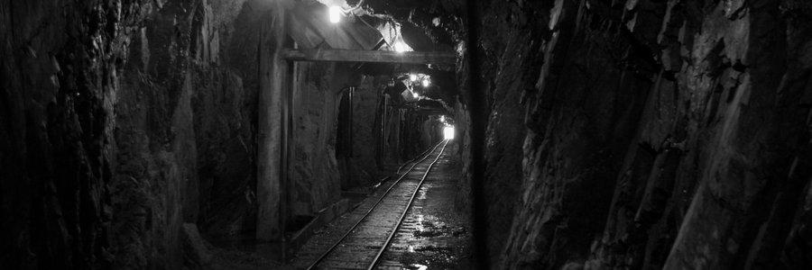 mine_shaft_by_wuzzyfuzzybunny-d4u2pd2.jpg