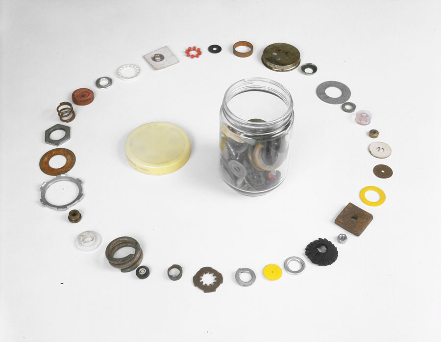 Tony Feher, Round Things with a Hole in the Middle Most of the Time, 1990-91 137 various found objects: washers, grommets, buttons, gaskets, etc.  Oval shape, approximately 8 x 4 feet.  Copyright Tony Feher, courtesy The Pace Gallery and D´Amelio Terras, New York