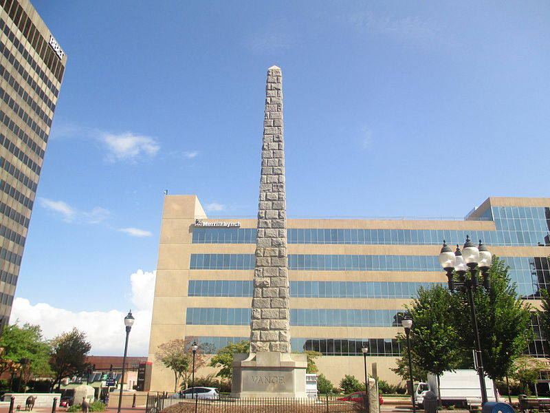Obelisk dedicated to influential state politician Zebulon Vance in Asheville, North Carolina. As governor and member of the House of Representatives, Vance defended slavery.  (Credit: Billy Hathon/Wikimedia Commons)