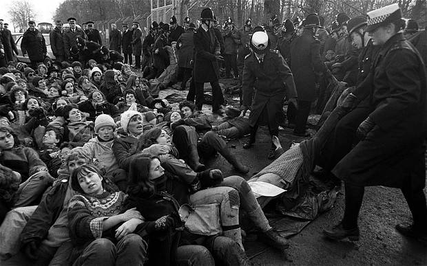 Demonstrators at the Greenham Common airbase in Berkshire (Britain), a US cruise missile site. The women's Peace Camp there was active throughout the 1980s in the movement against nuclear weapons.