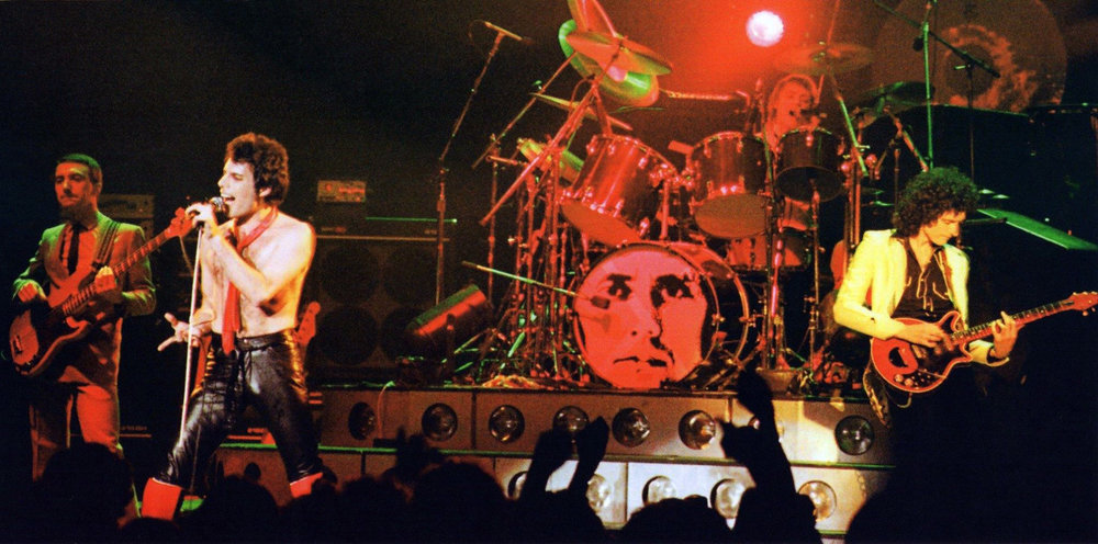 queen-live-on-stage-during-the-crazy-tour-on-the-second-of-two-nights-at-the-apollo-theatre-in-manchester-england-on-27th-november-1979-photo-by-alan-perry-2.jpg