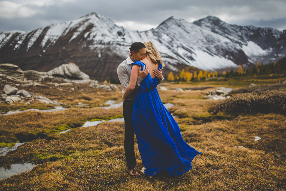 Alpine Engagement Session | Highwood Pass, Alberta | Engagement Photography