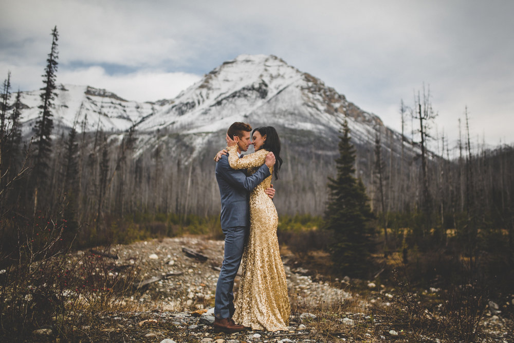 Storm Mountain Lodge Wedding | Elopement Photography | Canadian Rockies Weddings