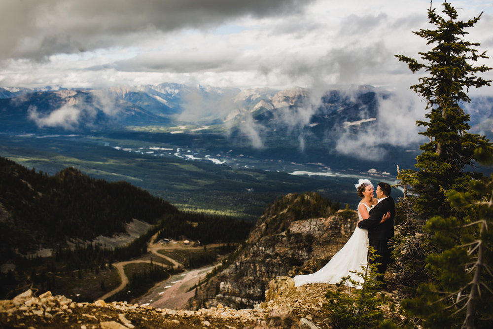 BanffWeddingPhotography-19.jpg