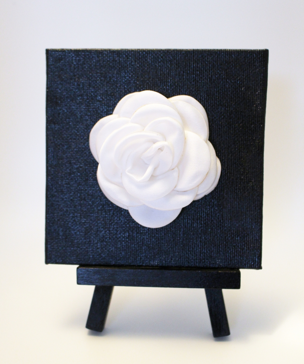 white flower art mini
