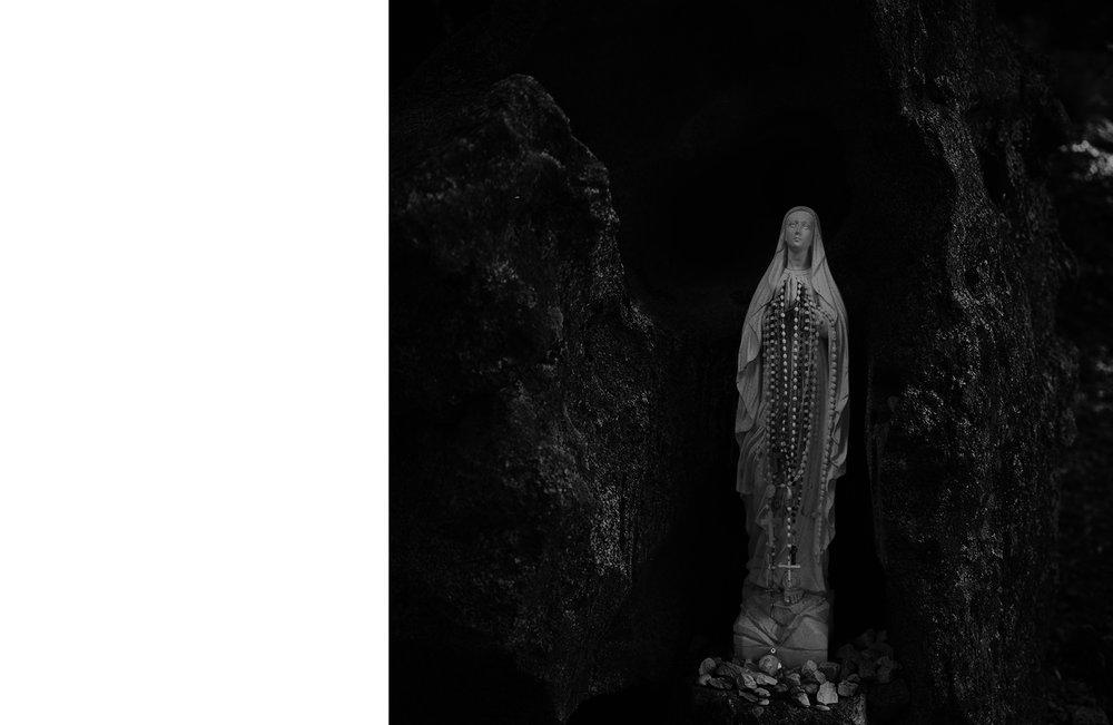 Left White Sicily Mary Statue.jpg