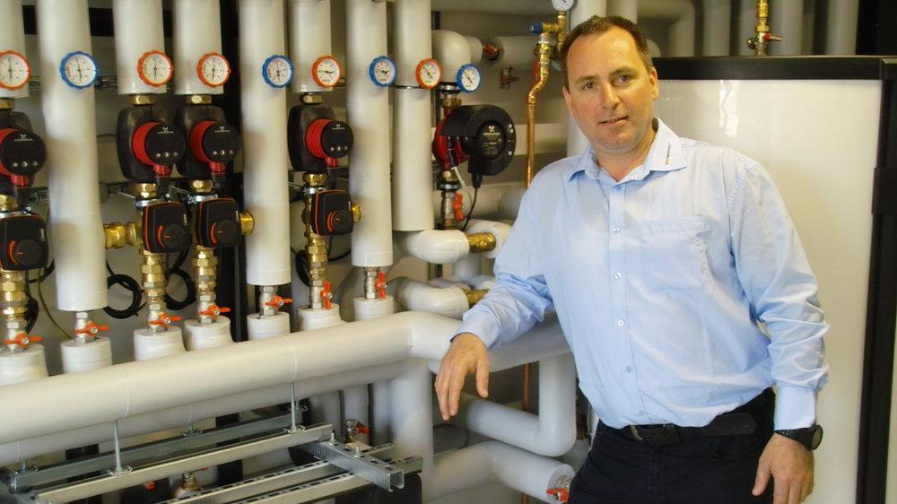 Geschäftsführer Steffen Karow nahm stellvertretend für die firmenmitarbeiter die ehrung entgegen
