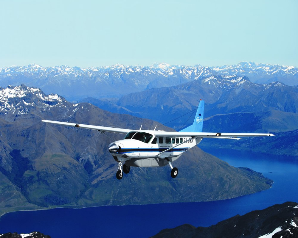 private charter flight to milford sound