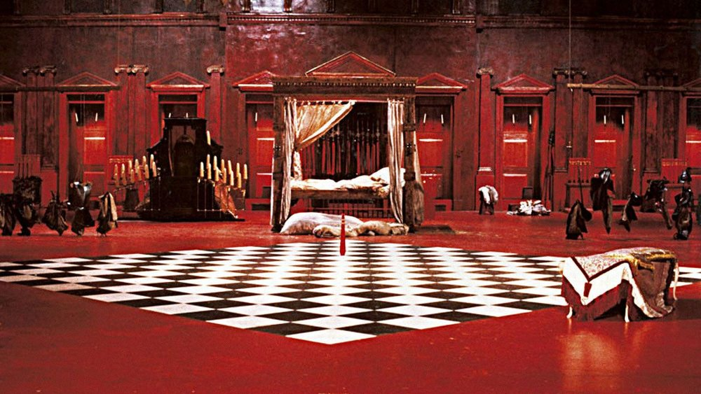 A scene from The Cook, the Thief, His Wife & Her Lover, directed by Peter Greenaway