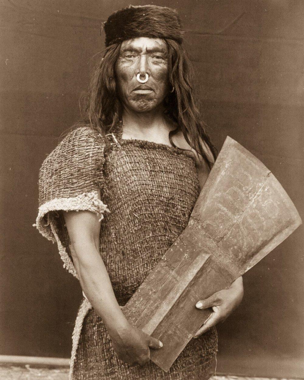 Hakalahl, a Nakoaktok chief,  1914.    ©EDWARD S. CURTIS/LIBRARY OF CONGRESS