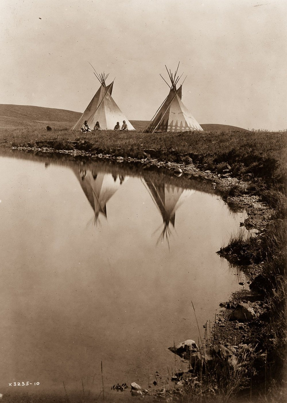 Piegan tepees,  1910.  ©EDWARD S. CURTIS/LIBRARY OF CONGRESS