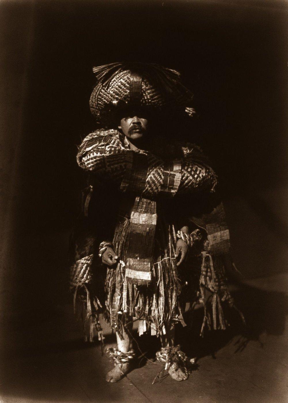A Kwakiutl shaman,  1914.  ©EDWARD S. CURTIS/LIBRARY OF CONGRESS
