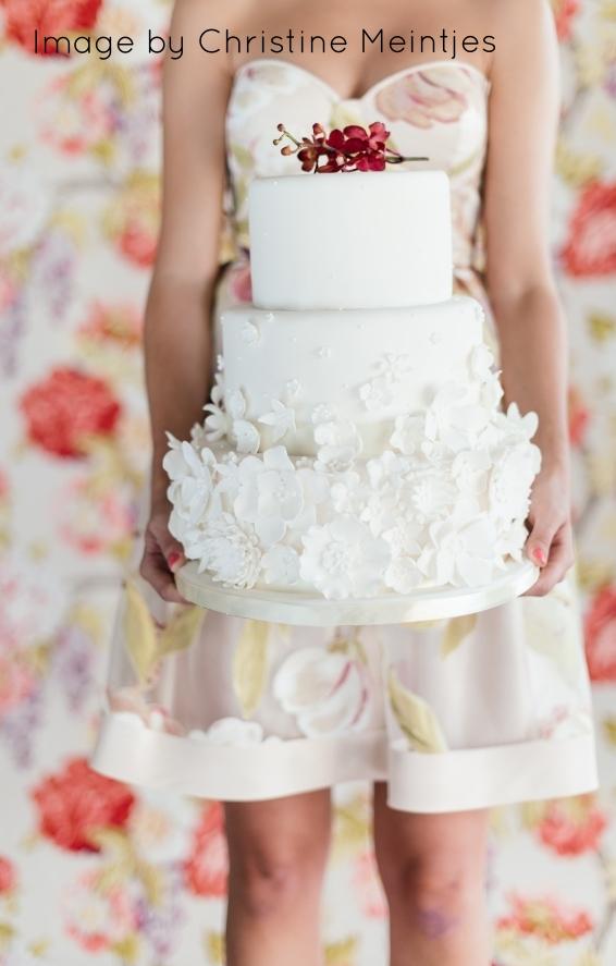 White Floral Applique Wedding Cake