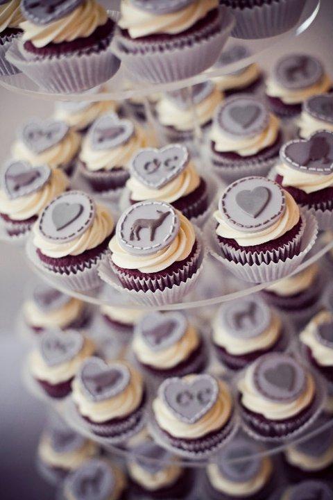 charlie cupcakes.jpg