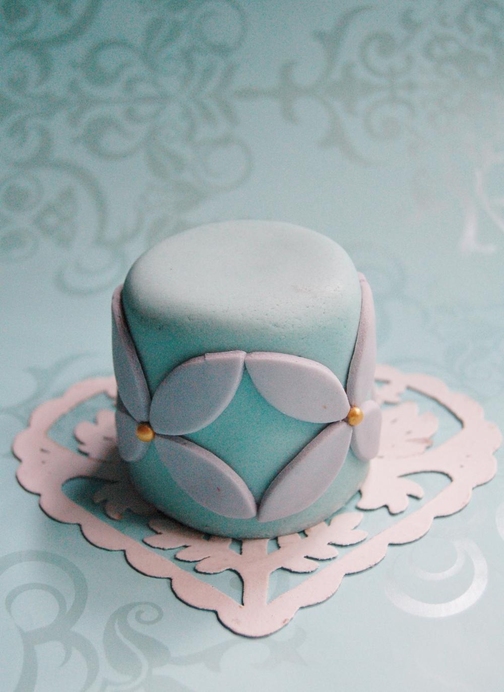 new cakes 011.jpg