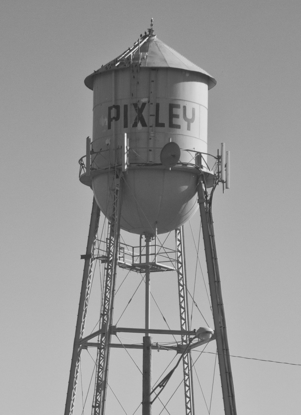Pixley_Watertower2016.jpg