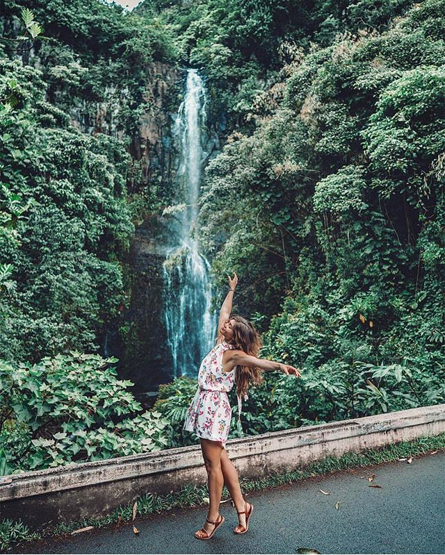 """The most beautiful in the world is, of course, the world itself."" – Wallace Stevens. ✨  Babe @amyseder taking us on adventure wearing our Crawford Woven dress. ✨ . . . . #vacation #travelholic #travelphotography #waterfalls #hanahighway #peoplesprojectla #pplagirl #pplaclothing #photography #travelblogger #contentcreator #peace #travel #inspo"
