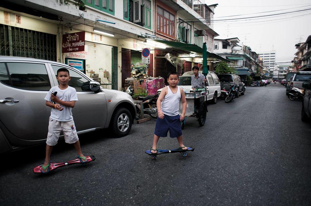 Boys playing in Bangkok @Jens Lennartsson