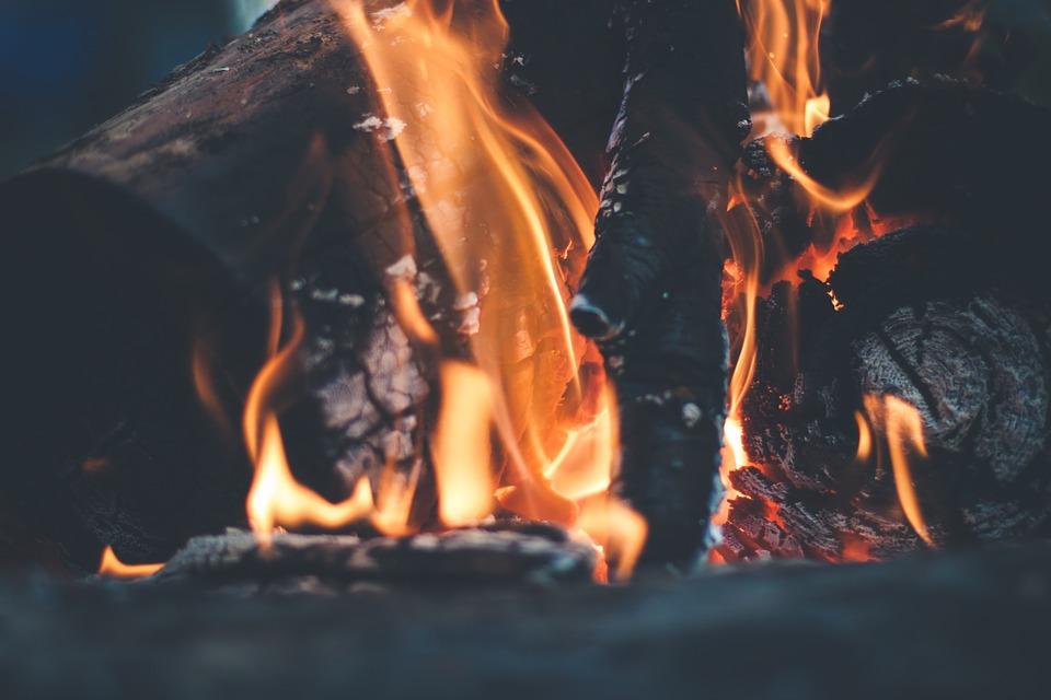 bonfire-691668_960_720.jpg