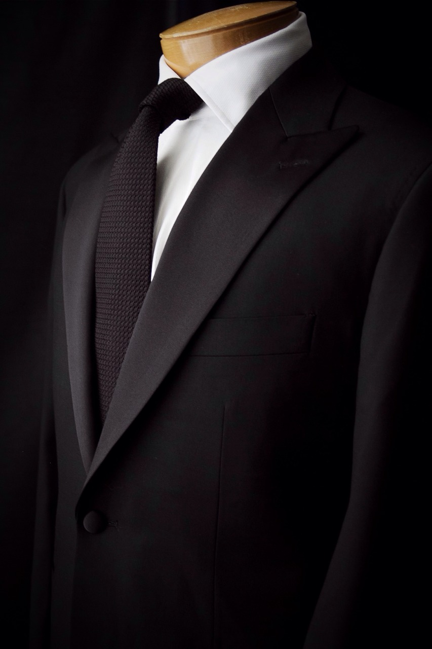 Classic 1701 Bespoke 1 button tuxedo for this wedding season!
